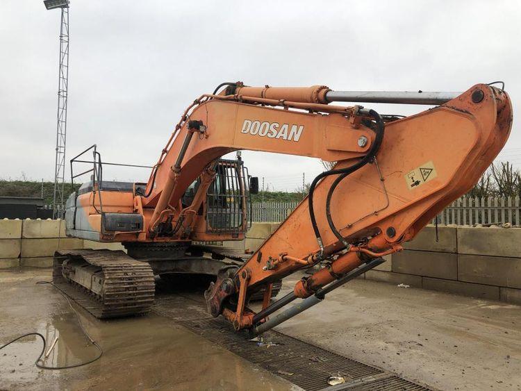 Doosan DX340LC Excavator