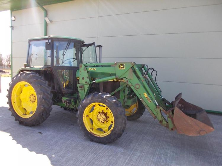 John Deere 2450 Tractor