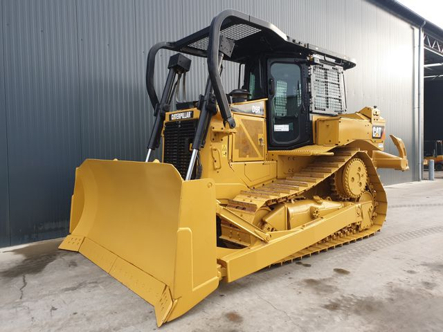 Caterpillar D6R2 Bulldozer