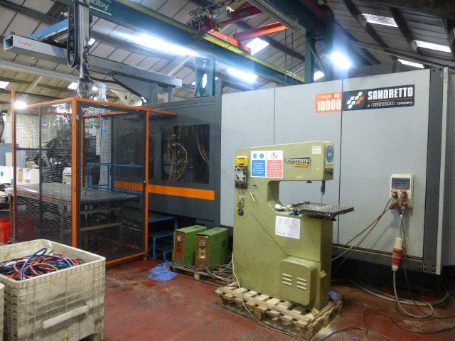 Sandretto Injection moulding machines 1000 T