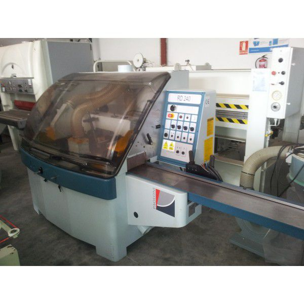 Paoloni RD 240, Moulder