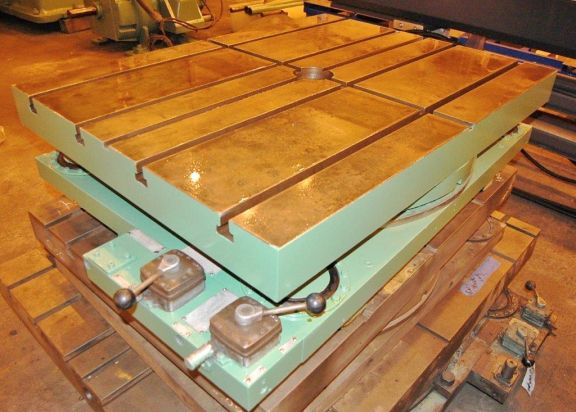 Giddings & Lewis Airlift Rotary Table
