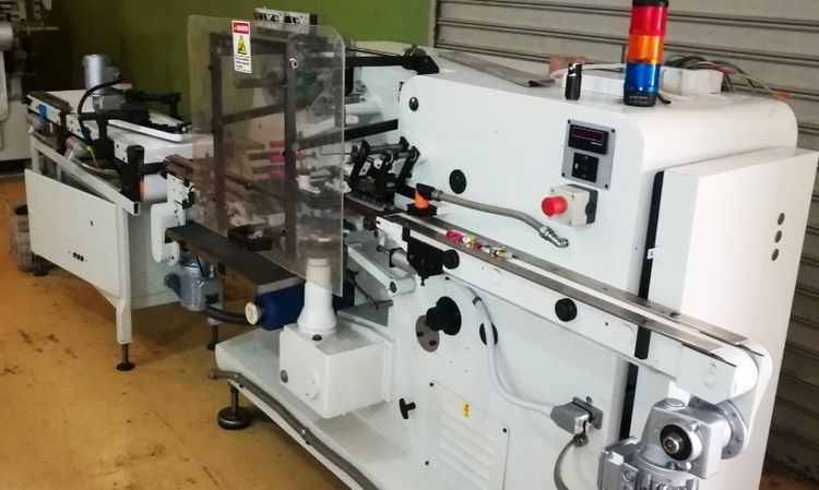Rasch RKS-NEU Wrapping machine designed for products with flat bottom, wrapping in bottom folding