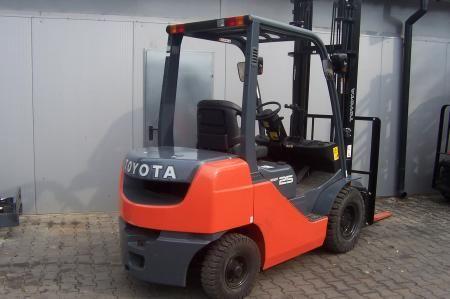 Toyota 8FG25 2500 kg