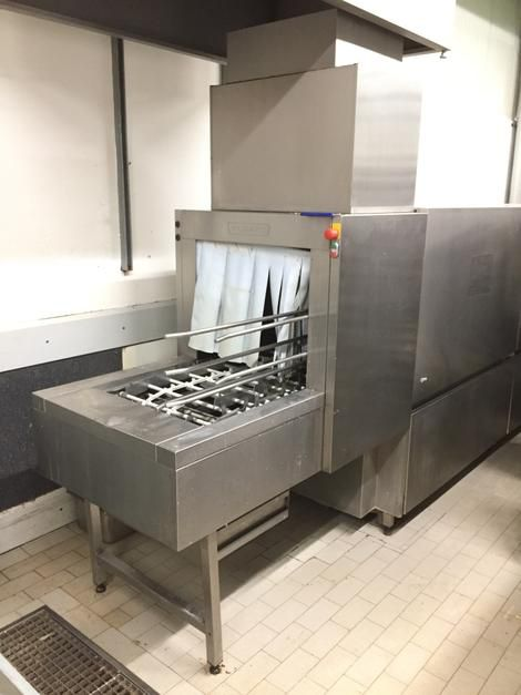 Hobart FUX continous-washer for baskets and trays