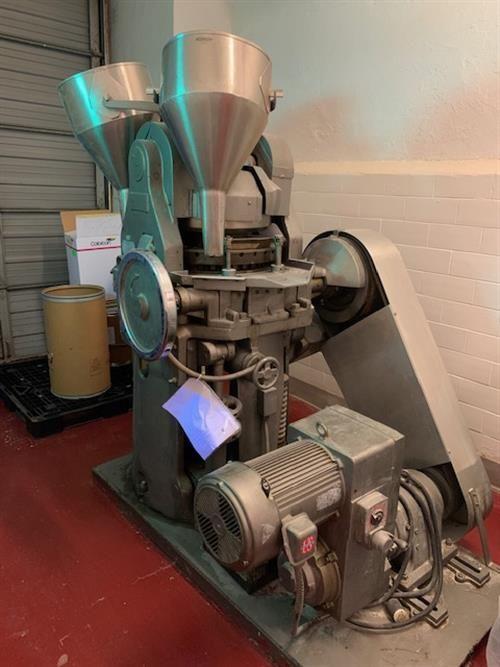 Stokes DD2 31 station tablet press