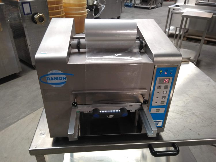 Ramon TS-200 tray packaging machine