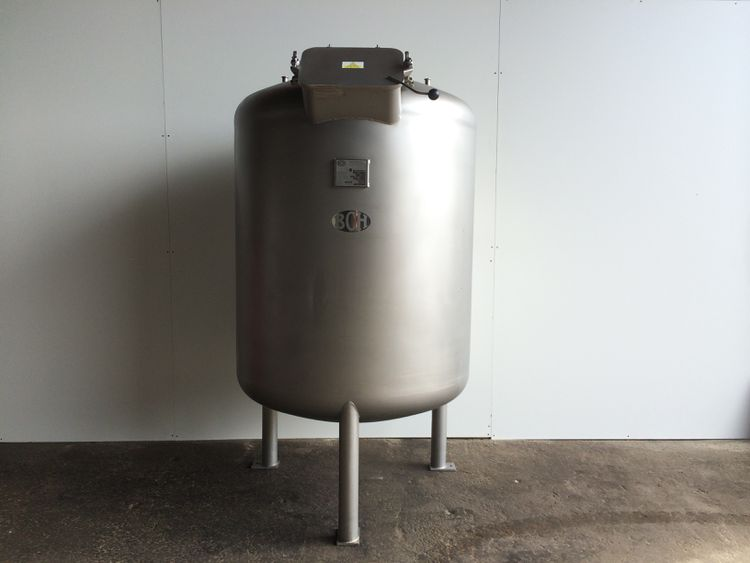 BCH 1800L stainless holding vessel
