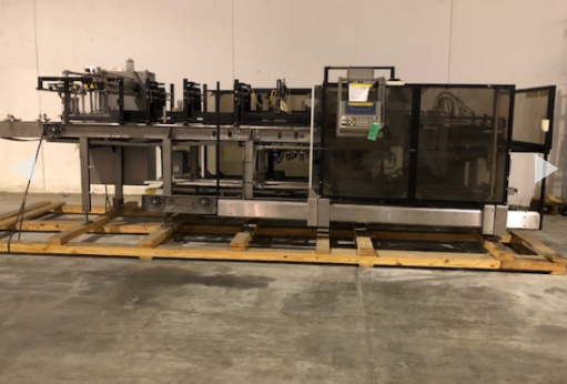 Hartness Case Packer with Infeed Laner