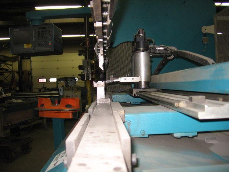 Adira QHX-6325CBP 70 TON, 8' CNC 5-AXIS PRESS BRAKE