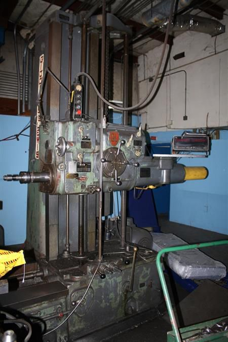 """Giddings & Lewis 4"""" 340T 4"""" 1300 RPM"""