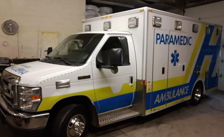 Ford Econoline E350 Gasoline Ambulance