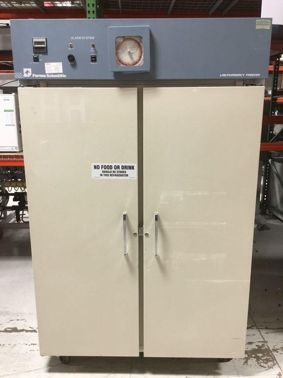 Thermo Forma Scientific Double Door 3797 Lab/Pharmacy Freezer