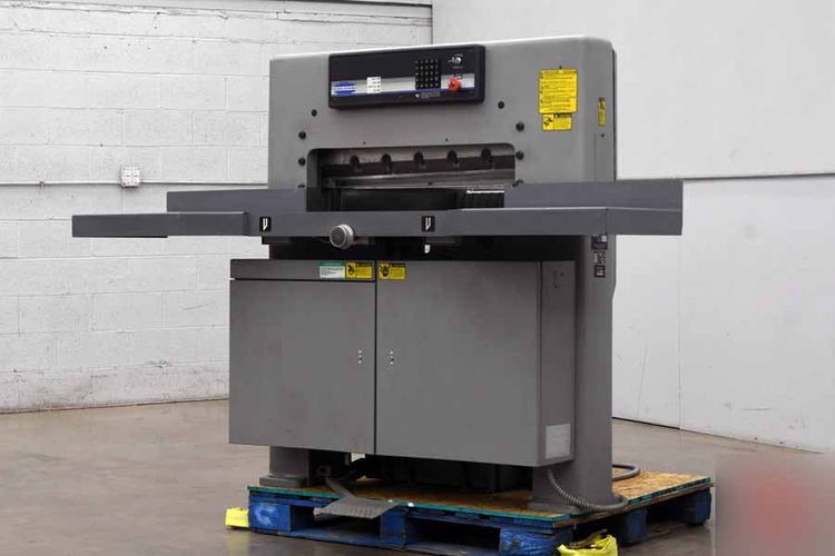 Challenge 305 MPC, Hydraulic Programmable Paper Cutter