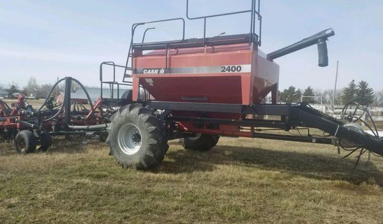 Case 2400 Air Seeder