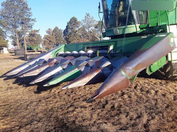 John Deere 643 Corn and Row Crop headers
