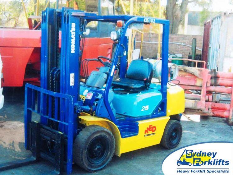 Komatsu FG25T kg 2,500kg @ 600mm