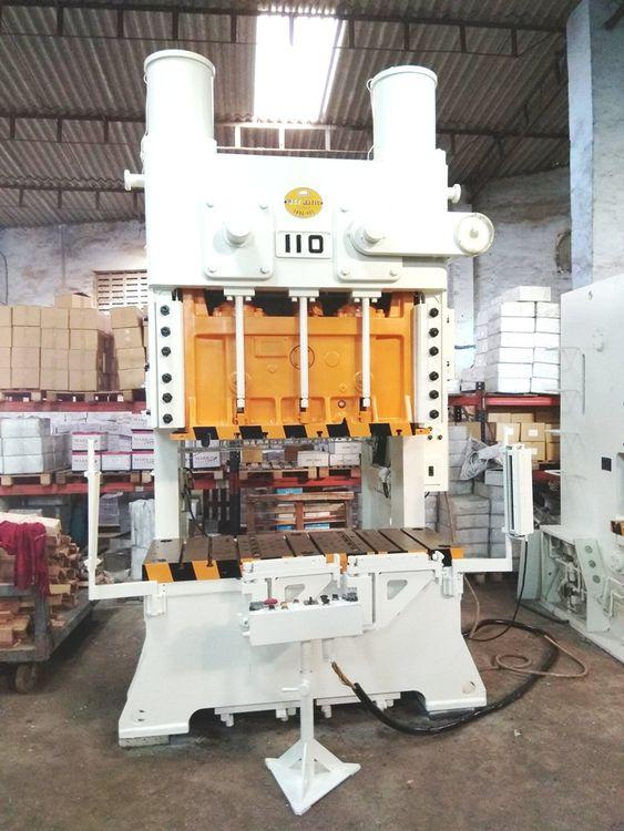 Amada TPW-110X 110TONS