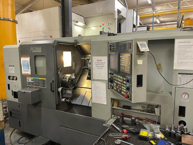 Hyundai Fanuc Control 4000 rpm SKT-21LM CNC Lathe with Driven Tooling. 2 Axis