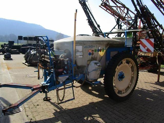 Tecnoma Trailed sprayer