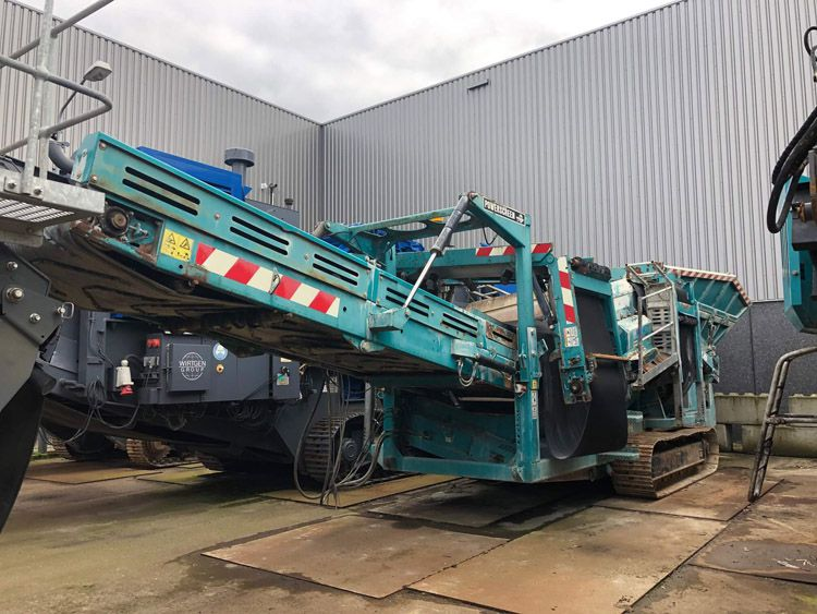 Powerscreen Warrior 1400 3 way split