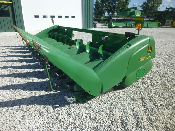 John Deere 608C StalkMaster Corn and Row Crop headers
