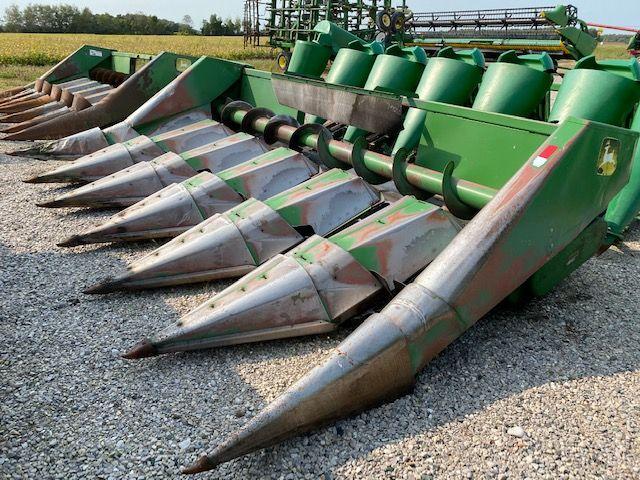 John Deere 643 Corn Heads