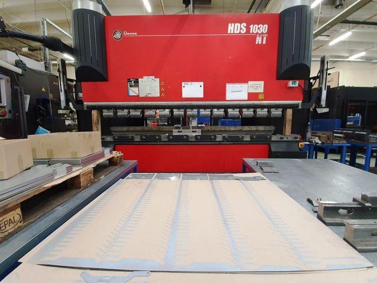 Amada HDS 1030 100 Ton