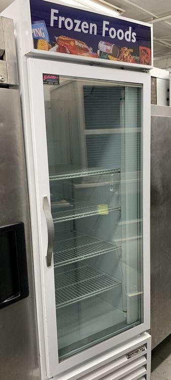 Beverage Air CFG24-1 1 GLASS DOOR MERCHANDISER FREEZER
