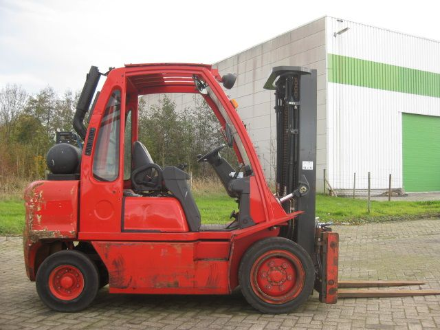 Nissan UGD02A30PQ 3000 kg