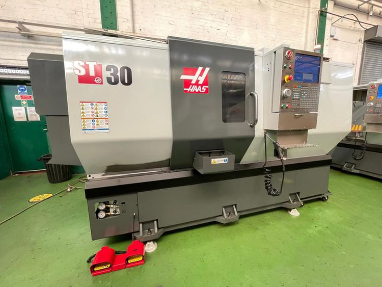 Haas Haas control. Variable ST- 30T CNC Lathe. 2 Axis