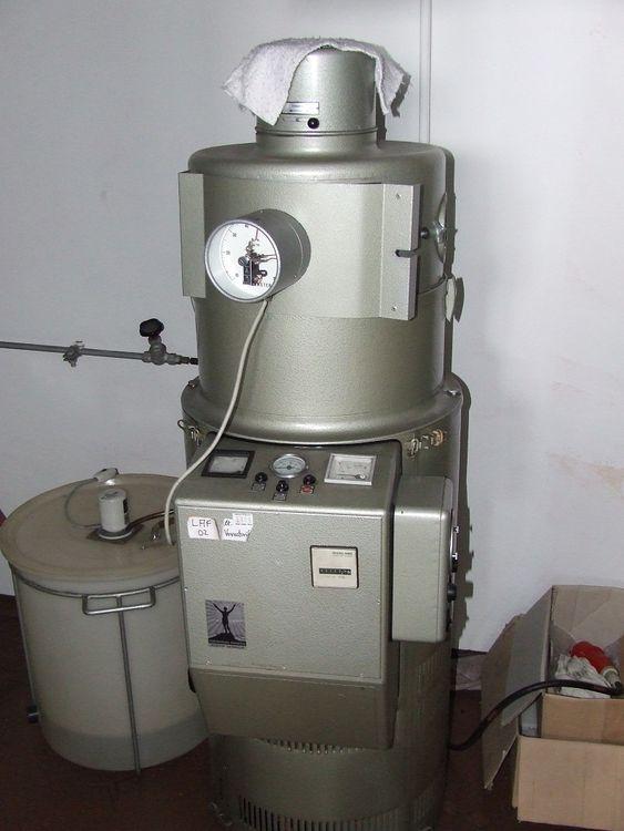 2 Hanau Xenotex Colour Tester