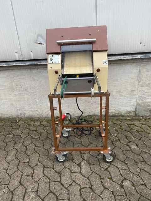 Kalmeijer Keks roll machine table device