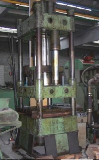 Oleodinamic 4 column press Max. 250 Ton