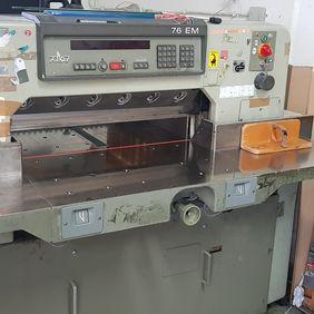 Polar 76 EM, Paper cutter