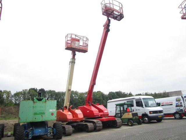 Aichi SR210 15300 kg Telescopic boom lift