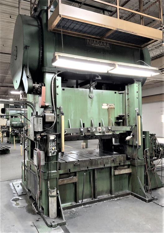 Niagara BP2-300 Press 300 Ton