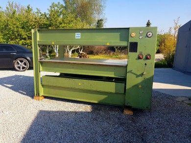 OTT Veneer press