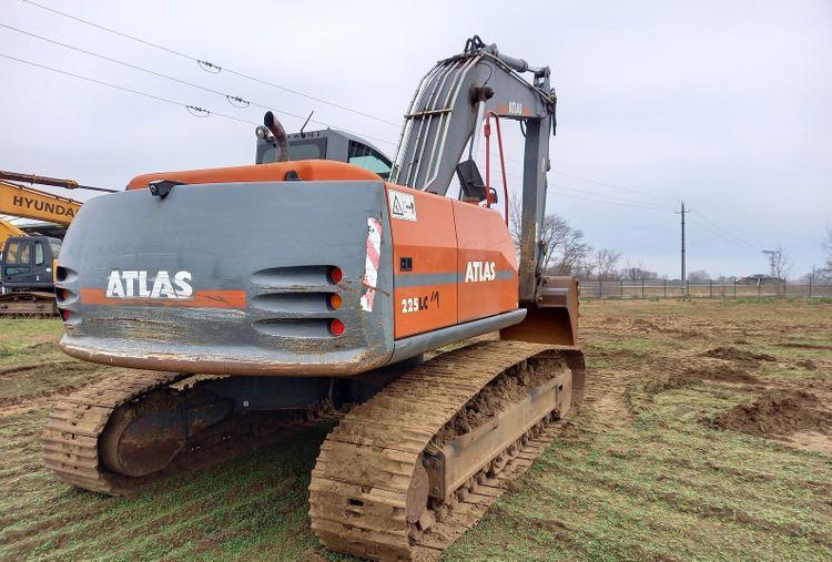 Atlas 225 LC Excavator