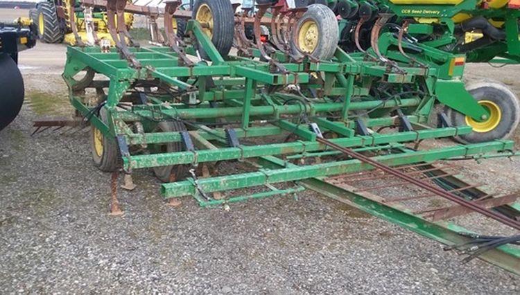 John Deere 940 Field Cultivators