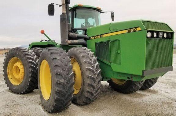 John Deere 8960 Articulated 4WD Tractors