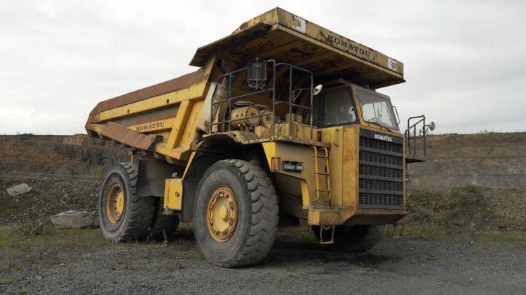 Komatsu HD465-5 Dump Trucks