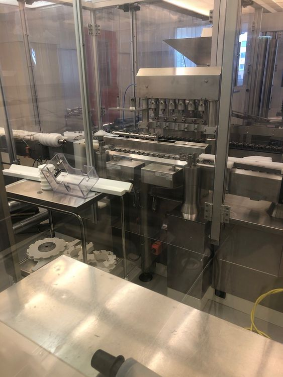 Bosch FLP3060 + VRK 4010, Aseptic Filling and Closing Machines