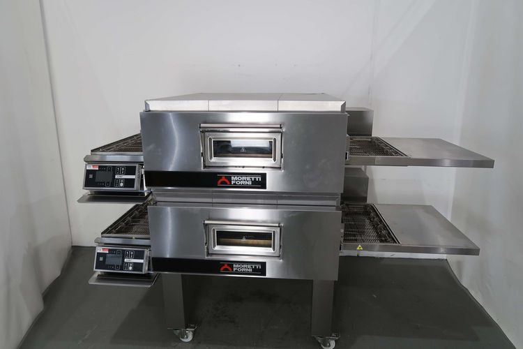 Moretti T97G-2 2 Deck Pizza Oven