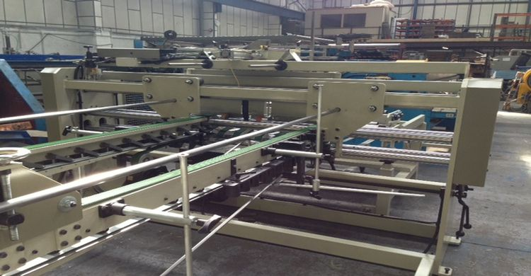 Others FULLY AUTOMATIC GLUER