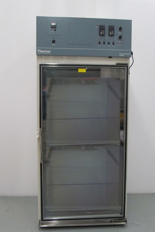Thermo Scientific Forma 3940 29 Cubic Foot Environmental Chamber