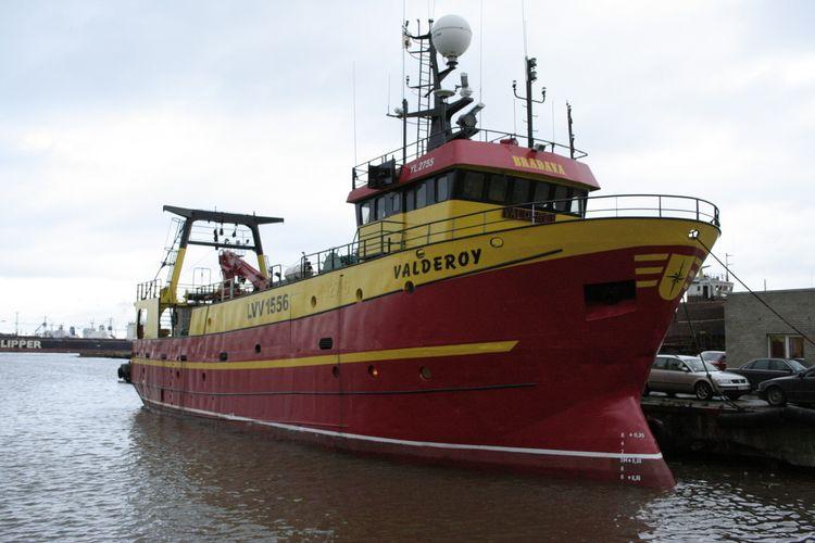 Wet Fish Trawler Hold Capacity::220 cbm