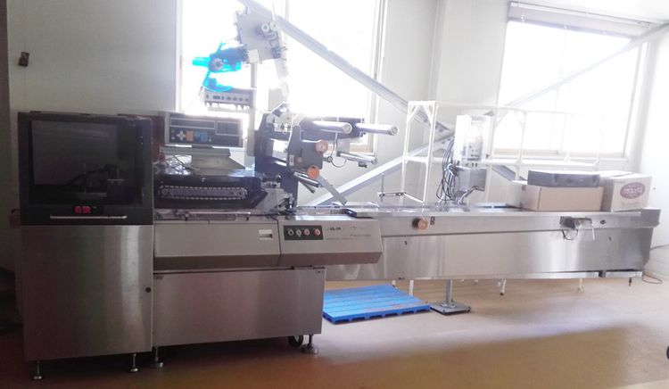 Fuji FW3700  Horizontal pillow wrapping machine
