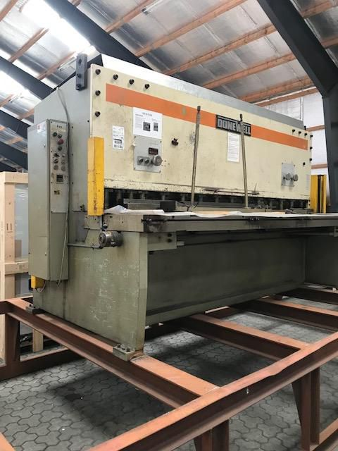 Donewell Guillotine shear