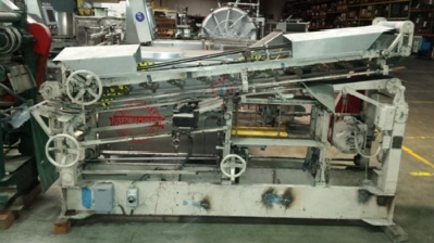 New Way E7SP, Automatic roll through, hot glue, wrap labeler